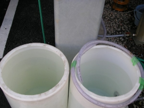 Left: Groundwater: 6 degrees, Right: Tap water: 2 degrees