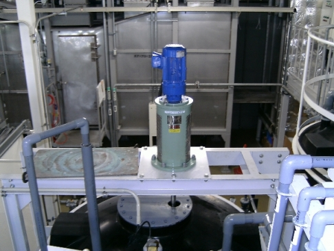 Sedimentation preventing agitator
